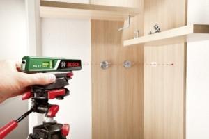 Bosch DIY Laser-Wasserwaage PLL 1 P, Batterien, Universalhalterung, Karton (Arbeitsbereich Linienlaser 5 m, Arbeitsbereich Punktlaser 20 m, +/- 0,5 mm Messgenauigkeit) -